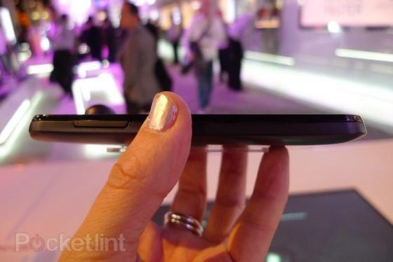 LG Optimus Black side on