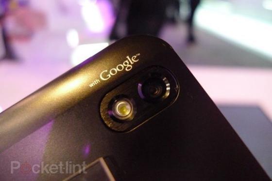 LG Optimus black camera
