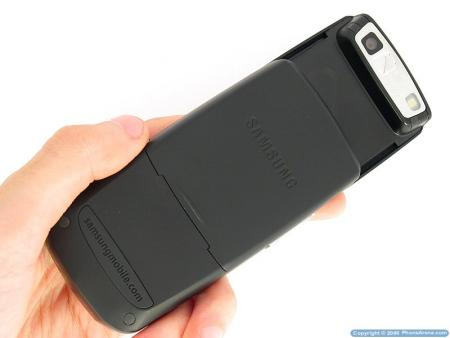 Samsung D900 mobile phone showing camera