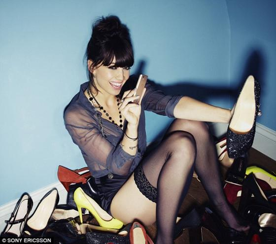 Daisy Lowe and the Sony Ericsson Xperia Ray 1