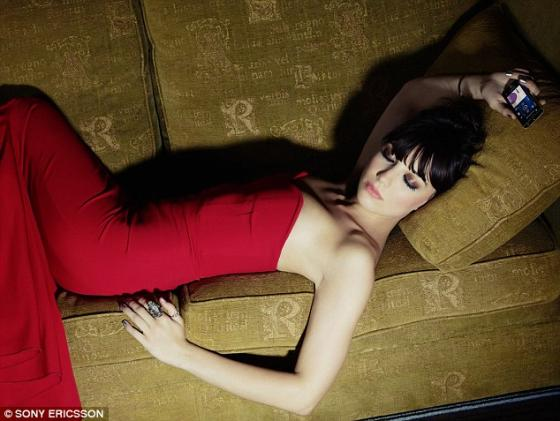 Daisy Lowe and the Sony Ericsson Xperia Ray 7