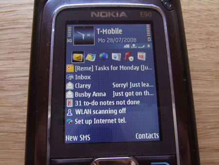 Nokia E90 screen when closed