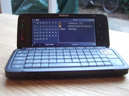 Nokia E90 Communicator, open