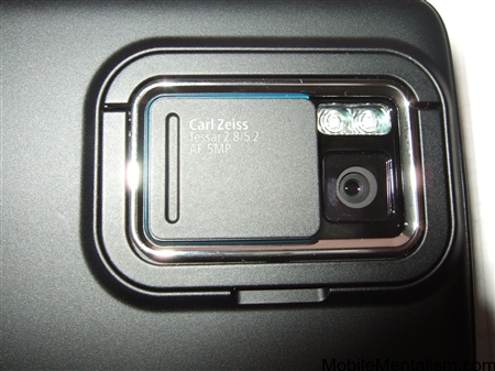 Nokia N900 close up of camera